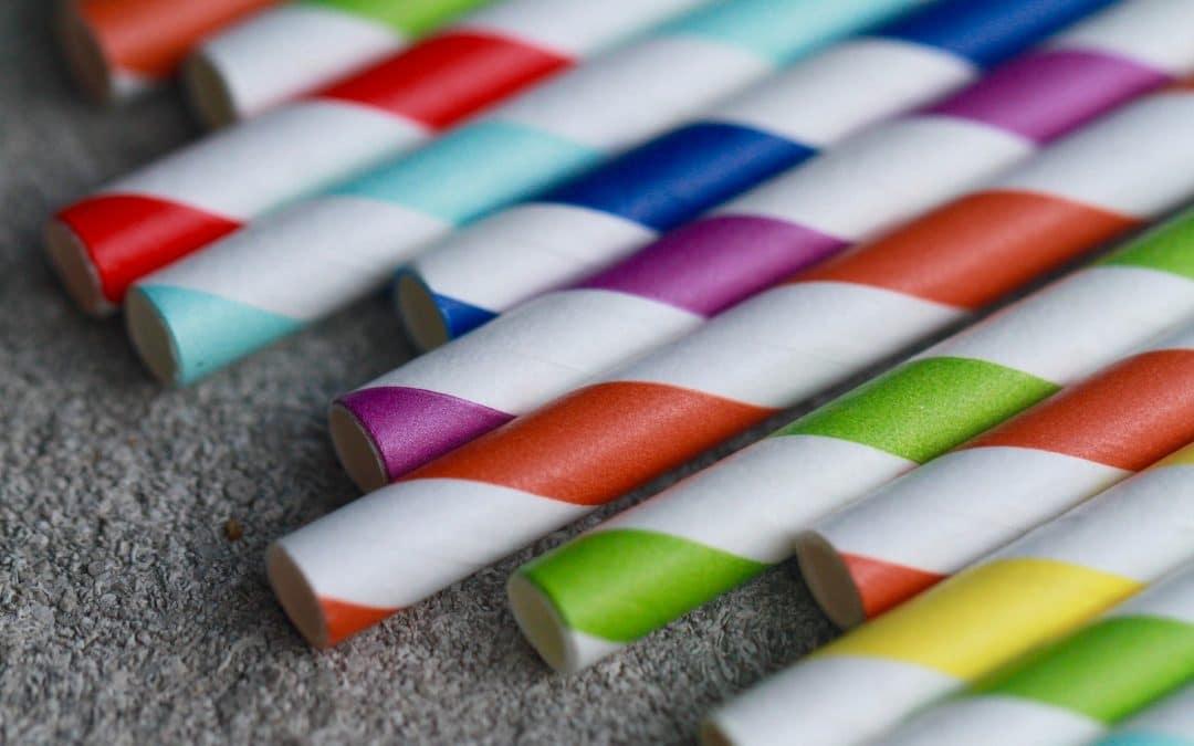 Por que os canudos de papel se tornaram o mocinho?